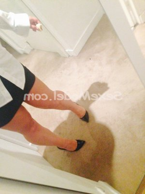 Lenie escorte girl rencontre coquine massage naturiste