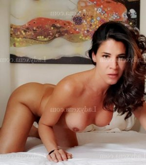 Marie-alice rencontre coquine escorte girl massage naturiste